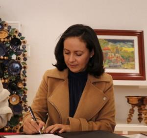 Aurora González Ledezma. En pro de artesanos mexiquenses.