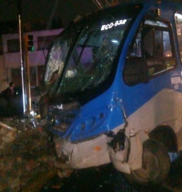 18 lesionados deja accidente vehicular en Toluca - Nov 20, 2019