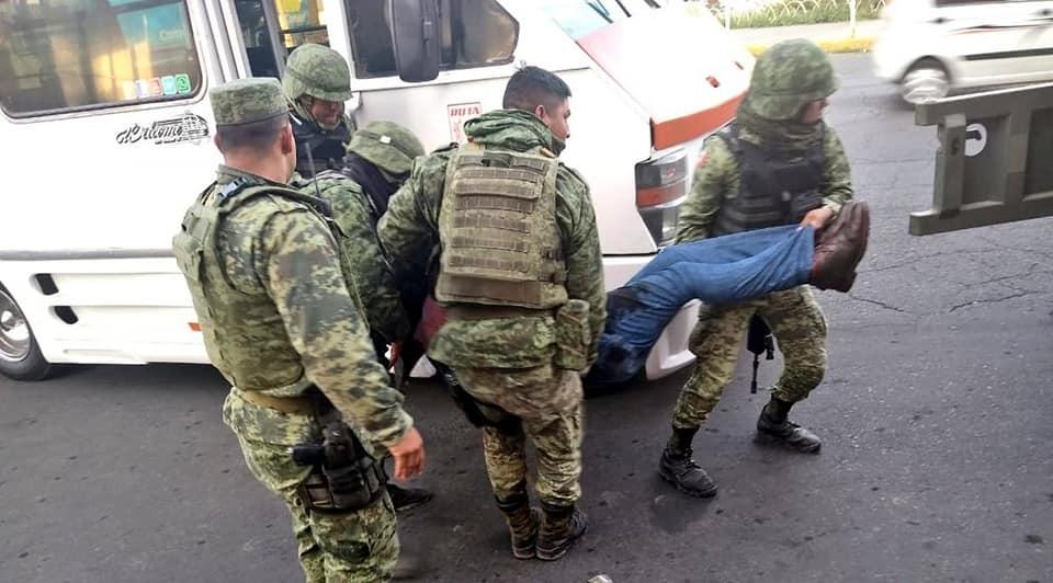 Pasajero es baleado dentro de microbús en Ecatepec - Nov 25, 2019