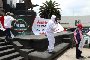 Protestan contra políticas de AMLO en calles de Toluca - May 31, 2020