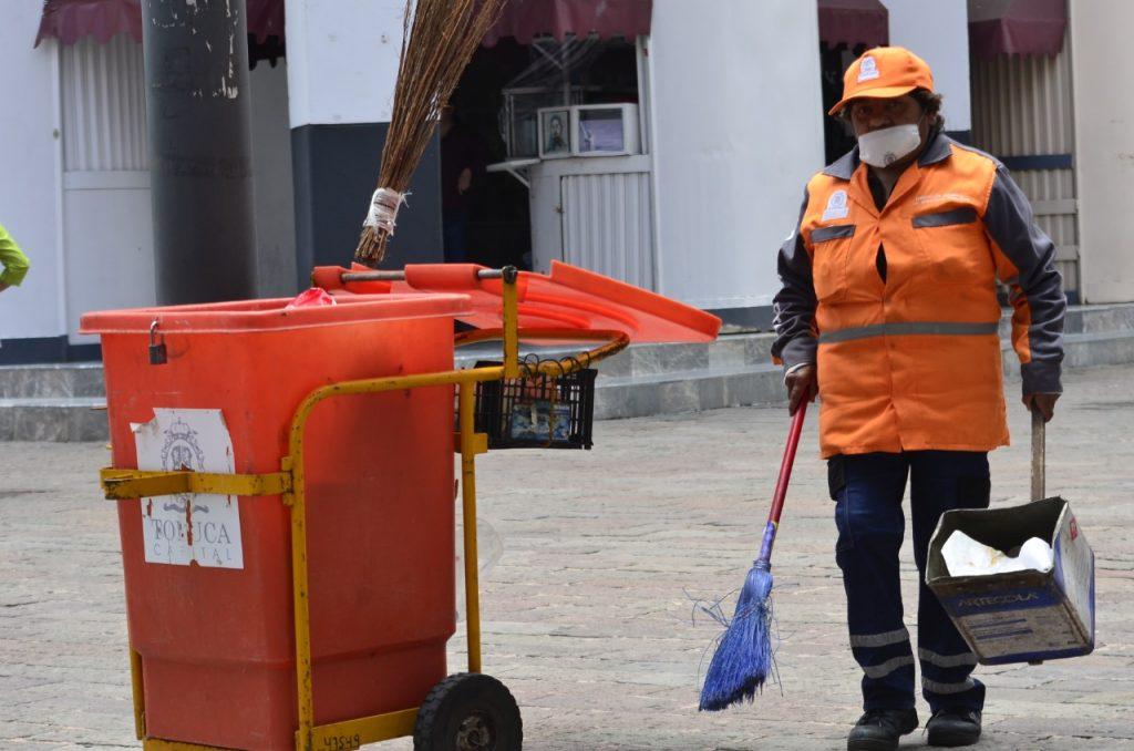 Héroes modernos; ellos manejan tus residuos durante la pandemia - Jul 28, 2020