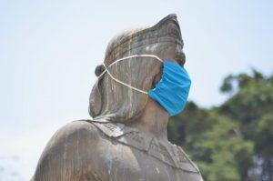 Colocan cubrebocas a estatuas de Toluca - Jul 6, 2020