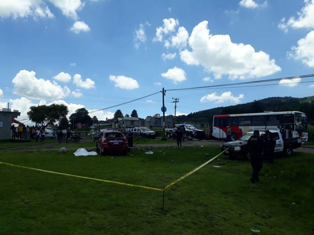 Un muerto y un lesionado en volcadora en la carretera San Felipe del Progreso - Carmona - Jul 20, 2020