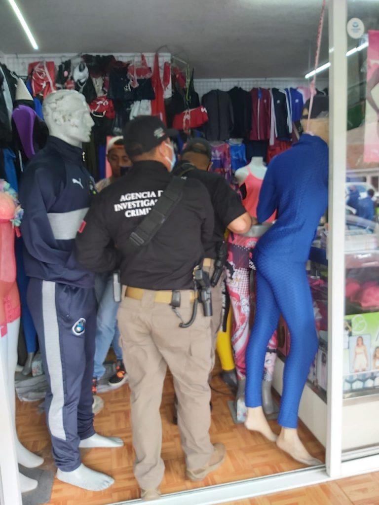 Aseguran carga de ropa falsificada en Ecatepec - Sep 6, 2020