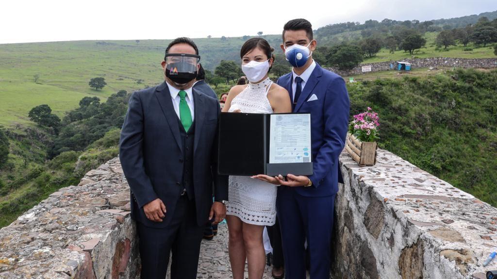 Celebran boda en Tepotzotlán en apoyo a reactivación económica - Sep 13, 2020