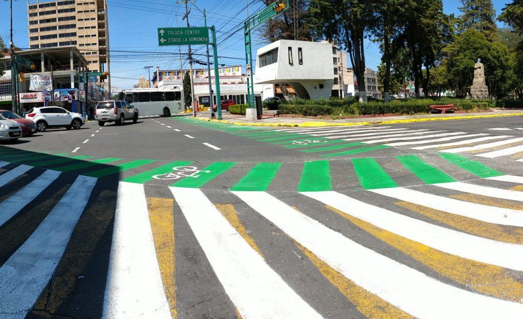 Intervienen cruce peatonal de Isidro Fabela e Hidalgo en Toluca - Oct 22, 2020