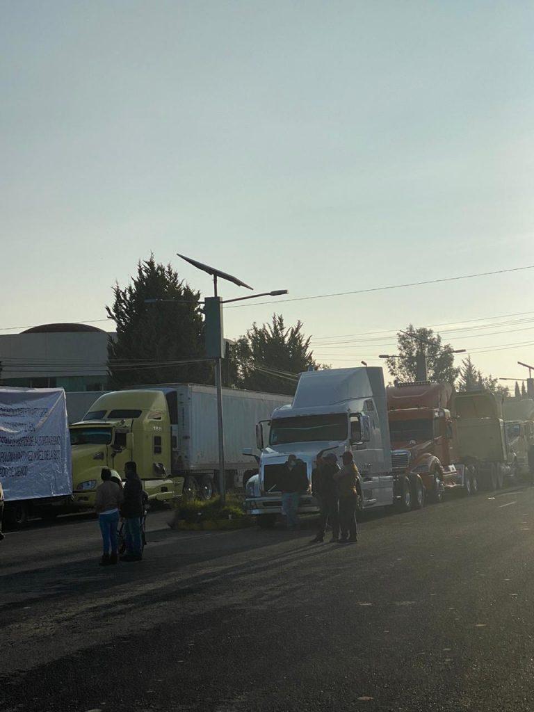 Transportistas exigen destitución de titular de la  SCT en Edoméx - Oct 21, 2020