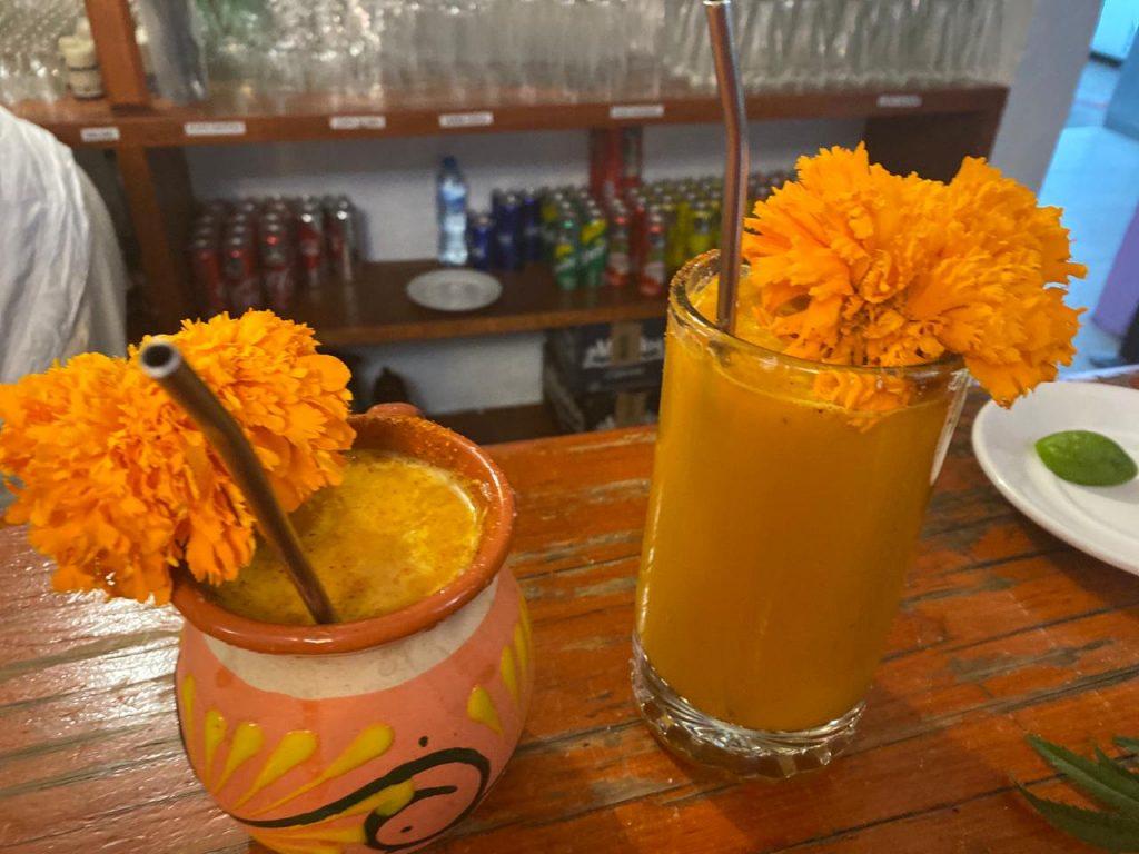 En Metepec preparan pulque de cempasúchil para este Día de Muertos - Oct 30, 2020