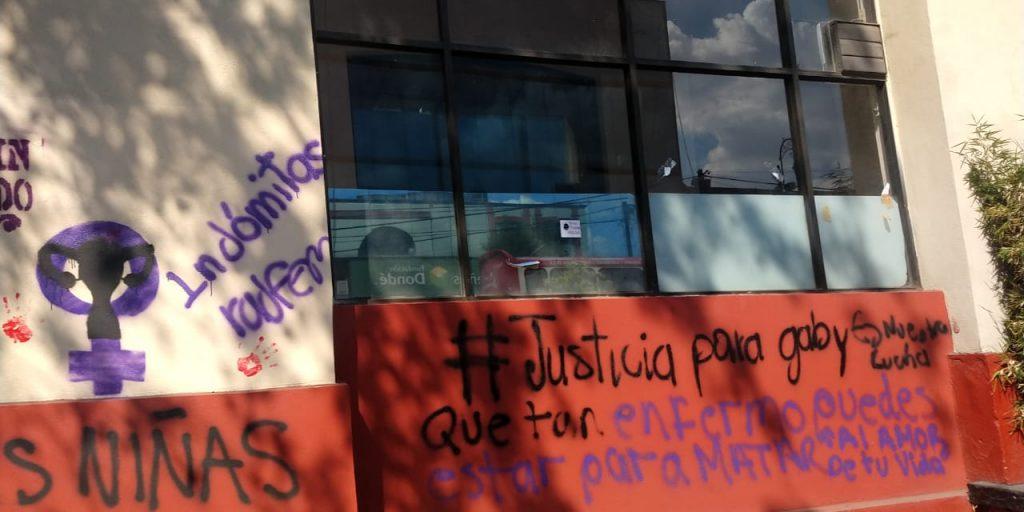 Permanecen pintas feministas en el centro de Toluca tras marcha del 25N - Nov 26, 2020