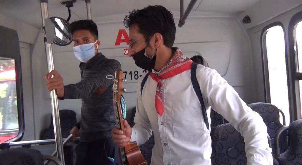"""""""Elfen Garay"""", intérprete náhuatl qué sale adelante pese a la pandemia - Nov 22, 2020"""