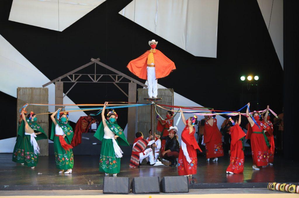 Disfrutan de fin de semana decembrino en el Centro Cultural Mexiquense Bicentenario - Dic 15, 2020