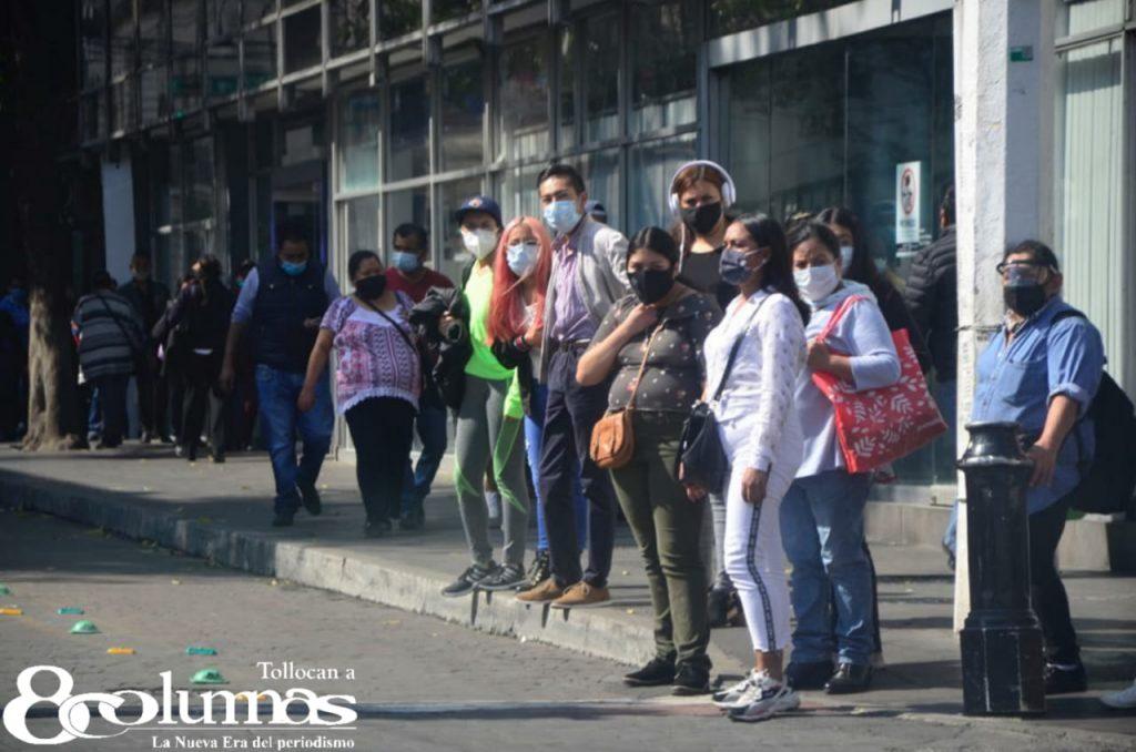Semáforo Rojo propicia compras de pánico en Toluca - Dic 19, 2020