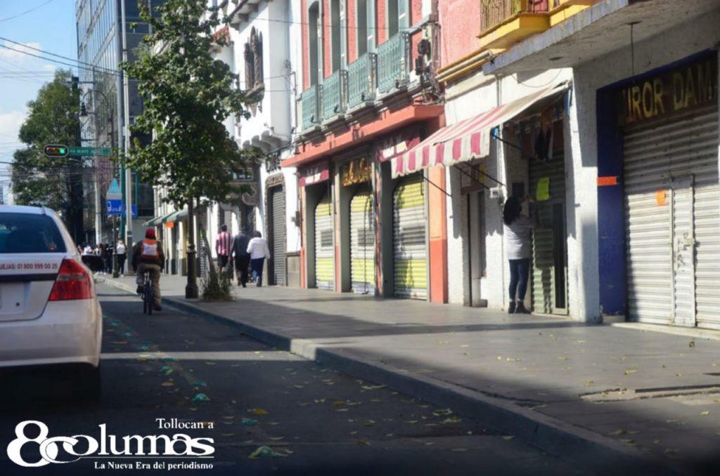 Comercios en Toluca acatan medidas santiarias en Semáforo Rojo - Dic 19, 2020