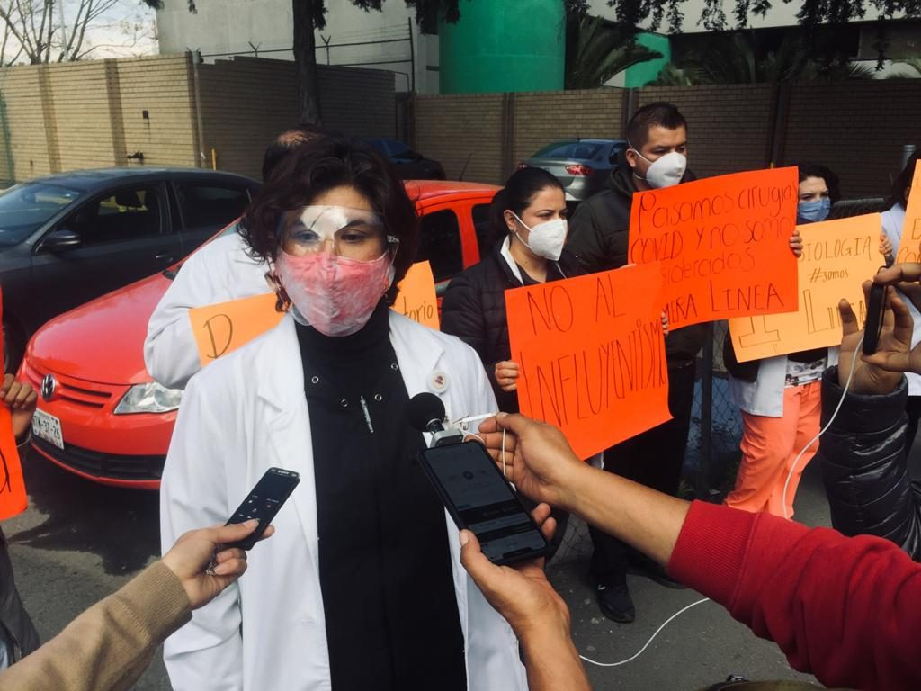 Médicos se manifiestan por no haber sido considerados para vacuna - Ene 13, 2021