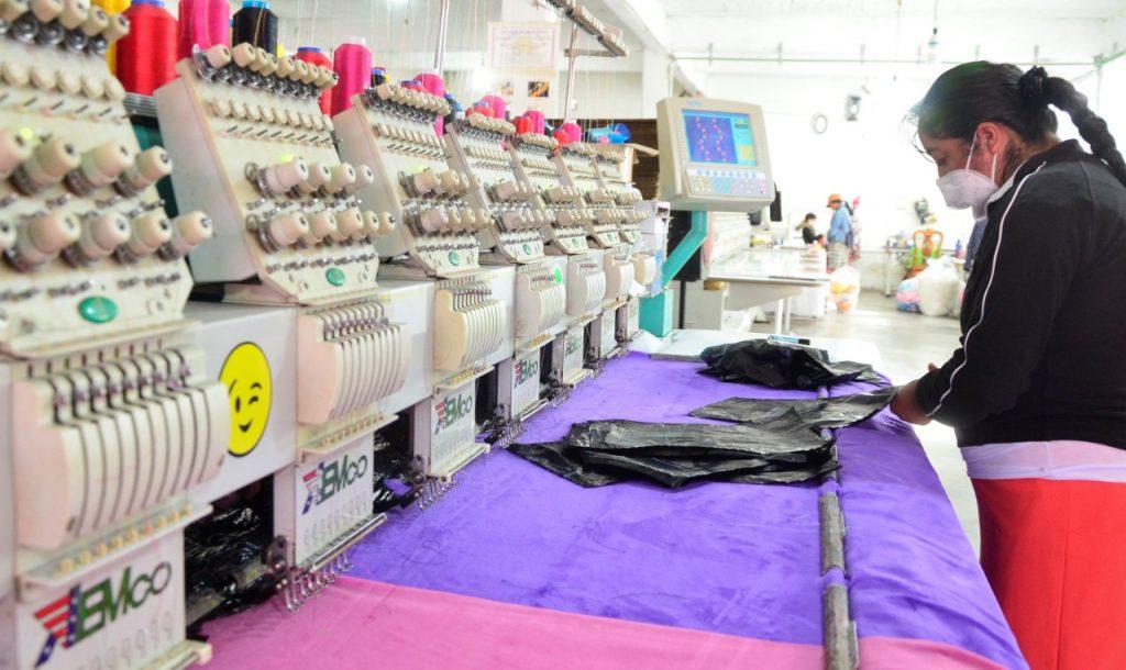 Productores de peluche de Xonacatlán esperan buena venta para el 14 de febrero - Ene 18, 2021