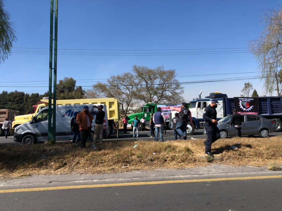 Transportistas bloquean parcialmente la Toluca-Tenango - Feb 8, 2021