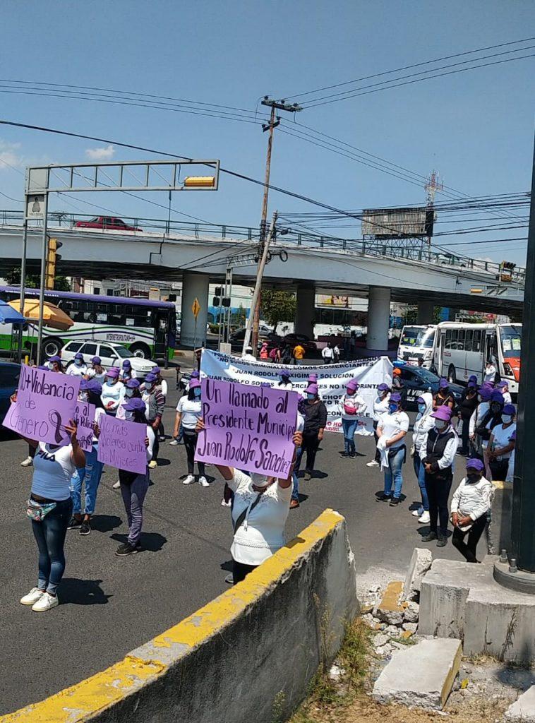 Mujeres comerciantes se manifiestan en Toluca - Mar 15, 2021