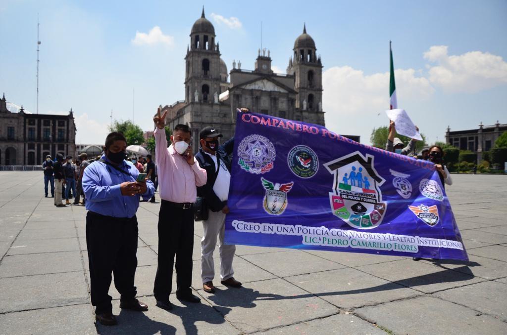 Homenajean a policías que perdieron la vida durante enfrentamiento en Coatepec Harinas - Mar 22, 2021