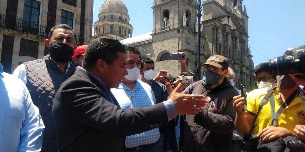 Comerciantes ambulantes se manifiestan por presunta extorsión - Mar 24, 2021