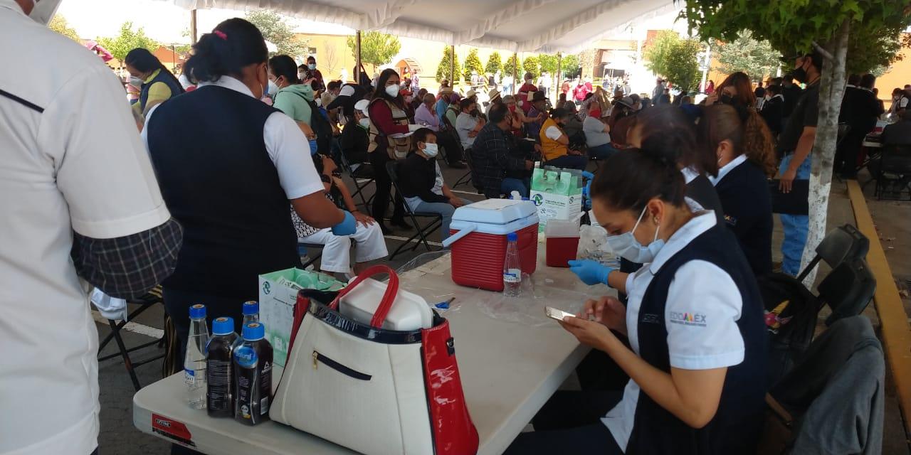 Calma y fluidez en las sedes de vacunación de Metepec y Zinacantepec - Mar 28, 2021