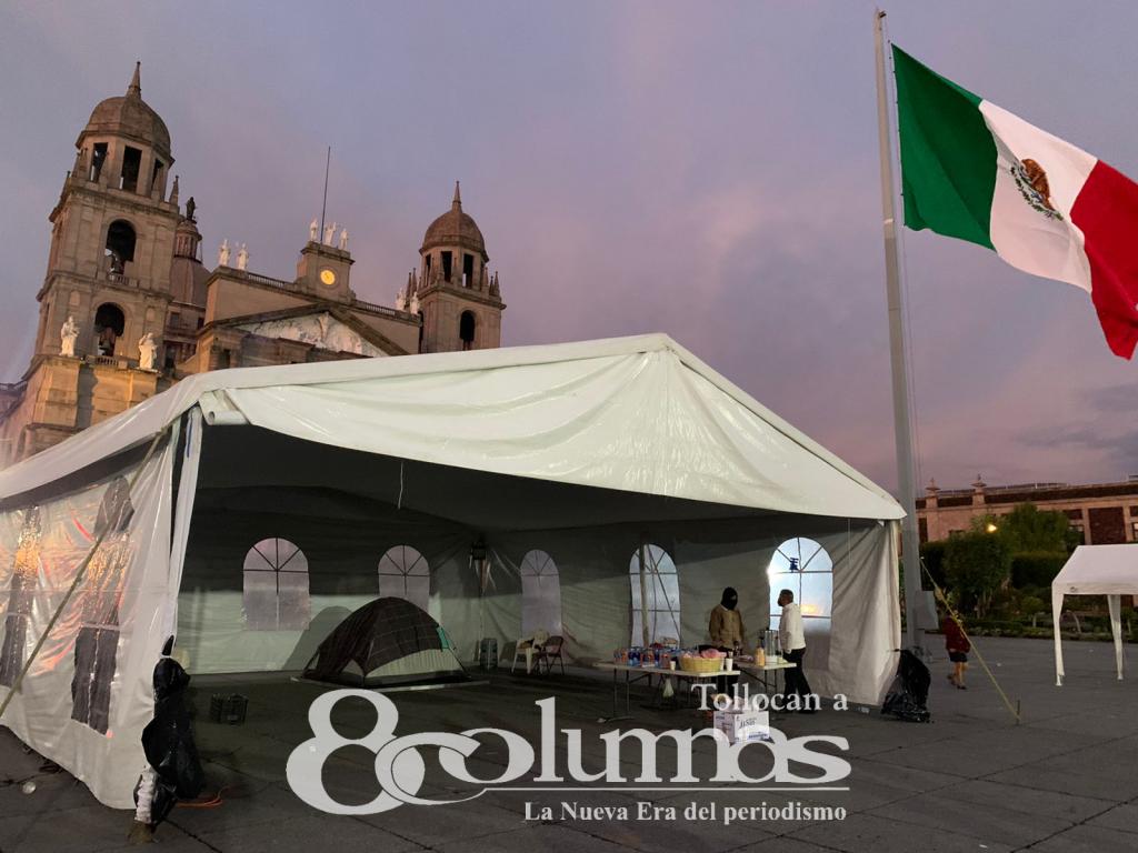 Alcalde de Toluca pasa segunda noche en plantón - Jul 21, 2021