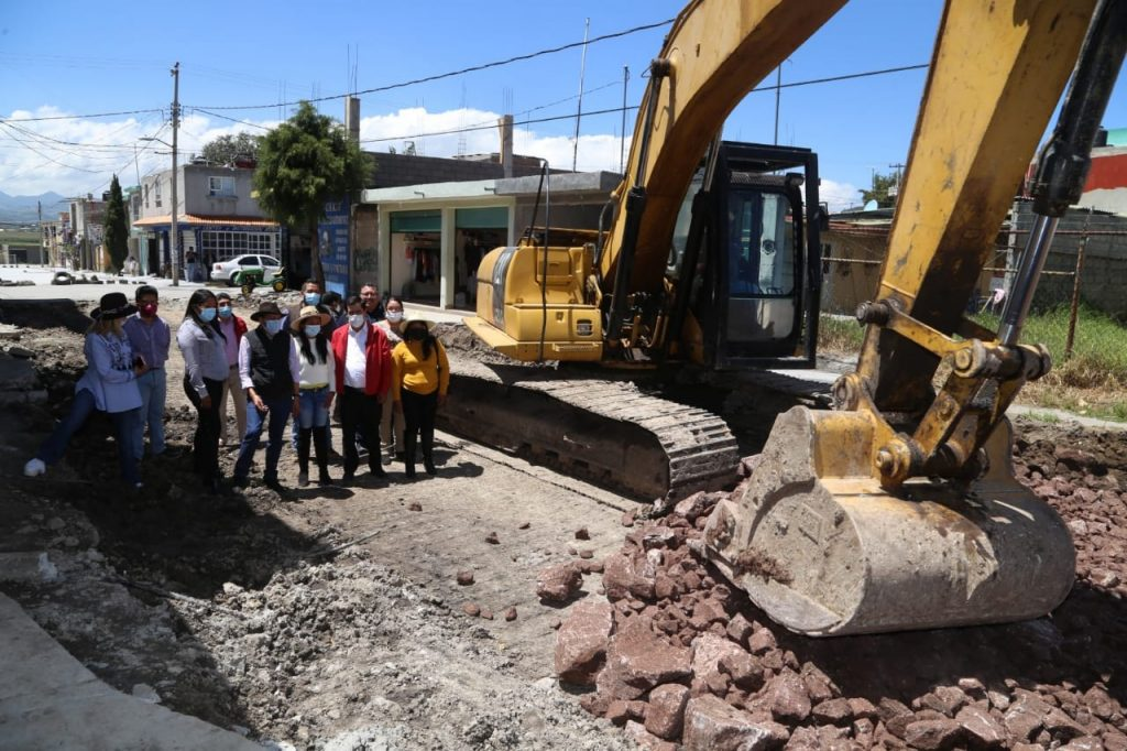 En Villa Victoria Supervisa Mario Santana avance de la Obra Pública - Ago 29, 2021