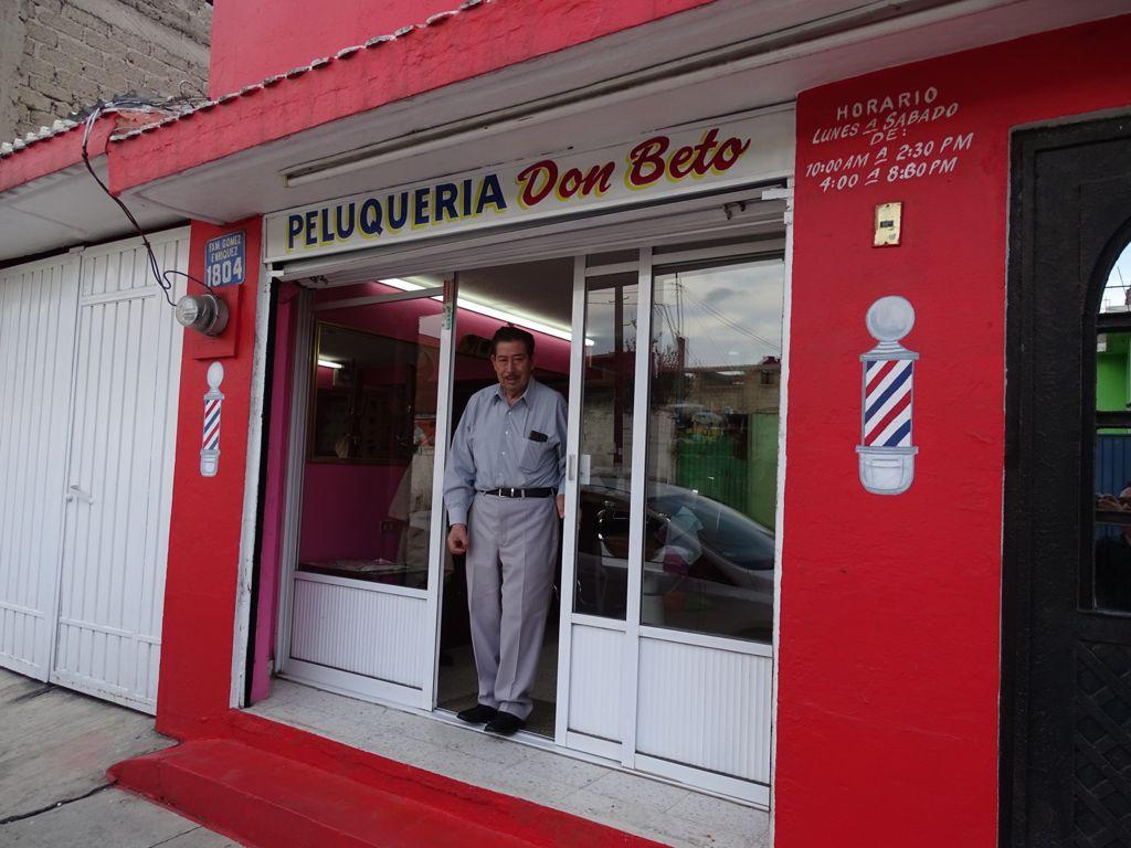 """Peluquería """"Don Beto"""", toda una vida dedicada al corte de los caballeros - Sep 26, 2021"""