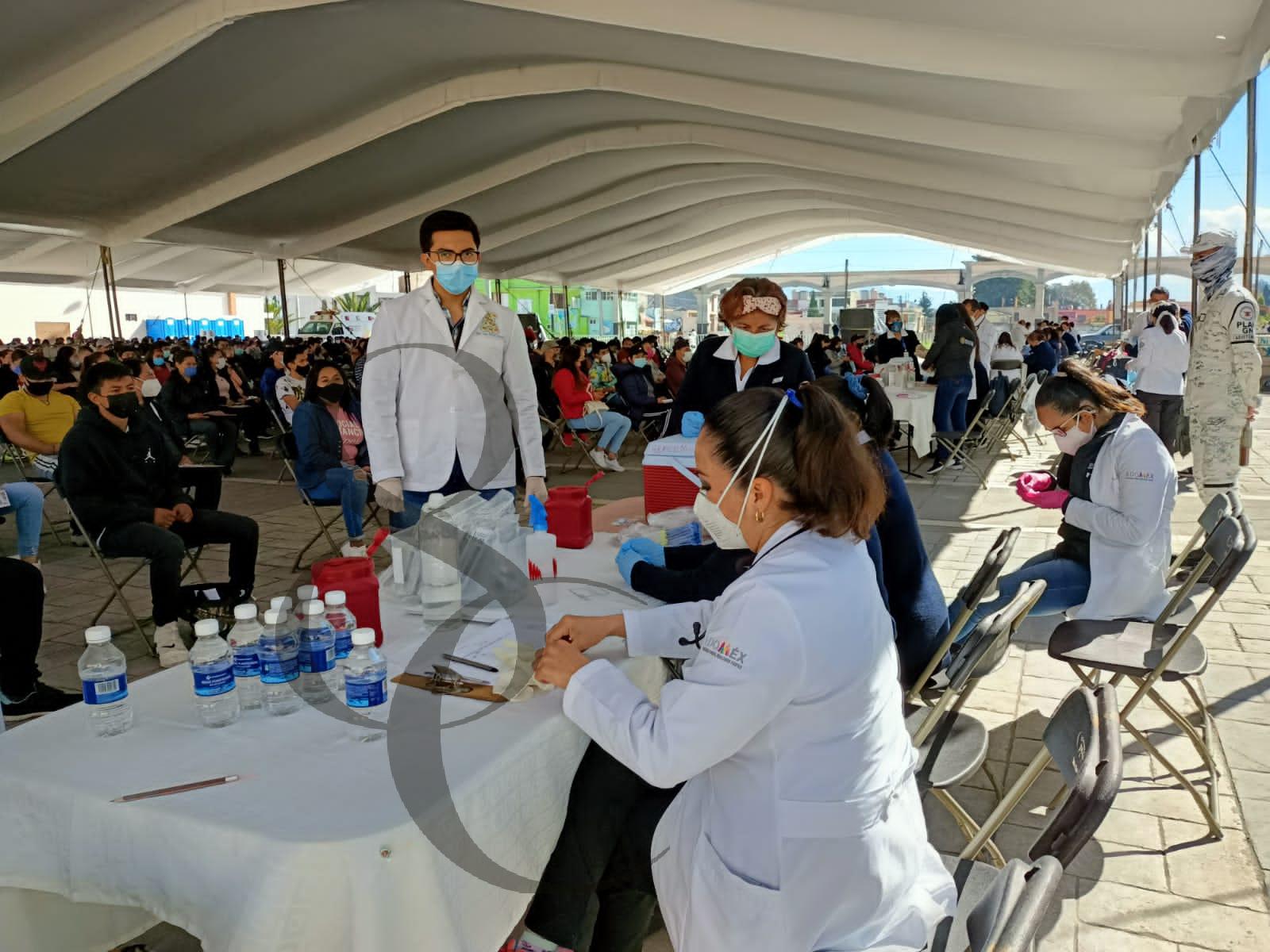 El 78% de los mexiquenses cuentan por lo menos con una dosis anticovid - Oct 13, 2021